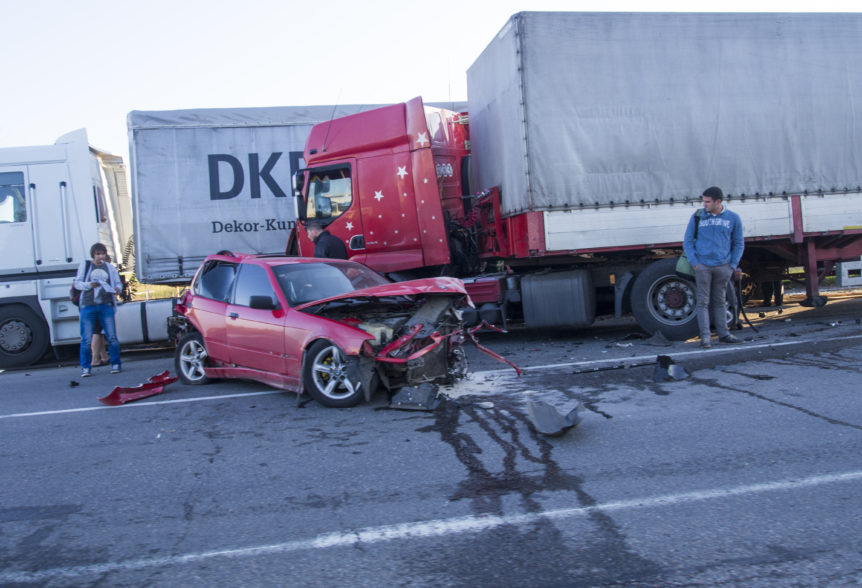 What You Should Know Following a Truck Accident - The Green Law Firm